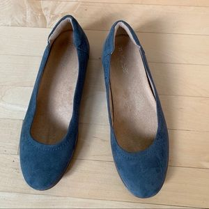 Naturalizer flexy blue suede ballet flat